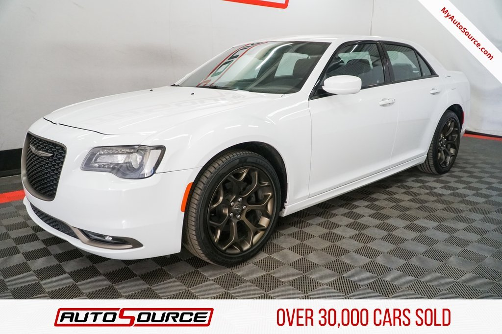 Pre-Owned 2016 Chrysler 300 300S Alloy Edition